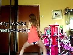 girl twerking