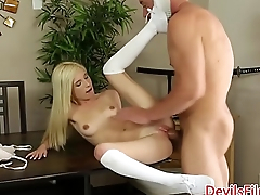Tiny babe pussypounded after cunnilingus