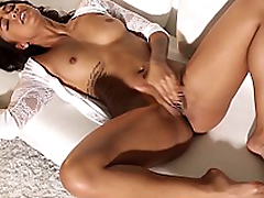 Harley Dean is a hottie with no need for clothes - www.only-beautiful-girls.com