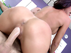 Rachel Starr and new boss find a common language thanks to XXX riding