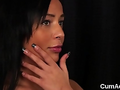 Kinky idol gets cumshot on her face swallowing all the sperm